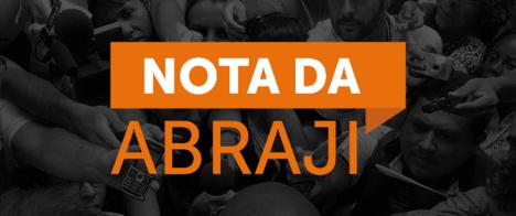 Abraji apoia jornalistas que deixaram entrevista após nova agressão de Bolsonaro