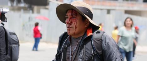 IFEX-ALC condena ataques a jornalistas na Bolívia