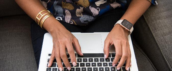 Abraji registra mais casos de mulheres jornalistas ameaçadas e linchadas nas redes sociais