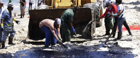 Governo federal gastou R$ 187 milhões para conter derramamento de óleo na costa