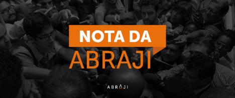 Ao atacar jornalista, Bolsonaro se afasta de compromisso com a democracia