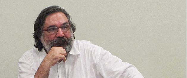 Sérgio Gomes recebe Prêmio Abraji de Contribuição ao Jornalismo por Projeto Repórter do Futuro