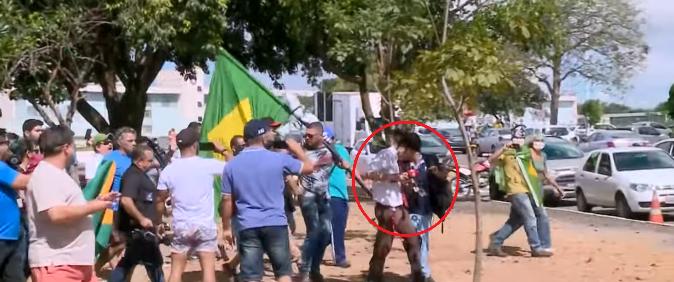 Repórteres são atacados ao cobrir manifestações pró-Bolsonaro
