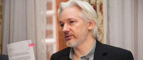 Juíza do Reino Unido decide não extraditar Julian Assange para os EUA