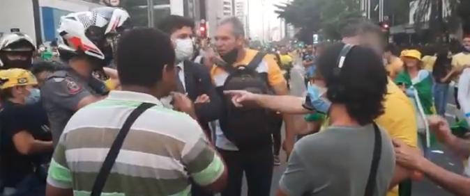 Manifestantes atacam ao menos seis equipes de imprensa no 7 de setembro