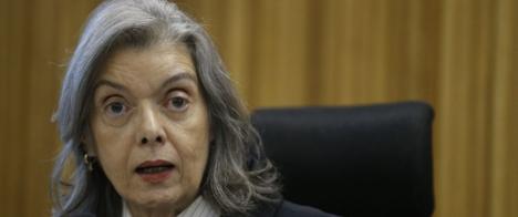STF suspende decisão para retirada de conteúdo e retratação da Folha
