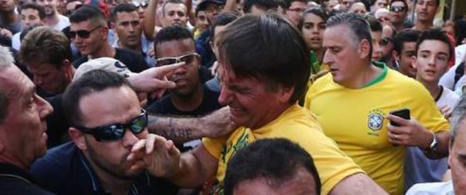 Fotógrafo é agredido ao cobrir atentado a Bolsonaro em Juiz de Fora
